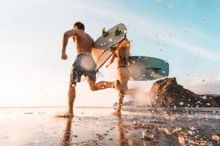 夏日消暑玩水趣!超夯的「海域活動綜合保險」保什麼?各家保險公司方案總整理